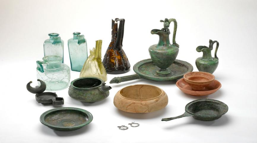 collection of roman domestic objects